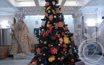 елка в театре